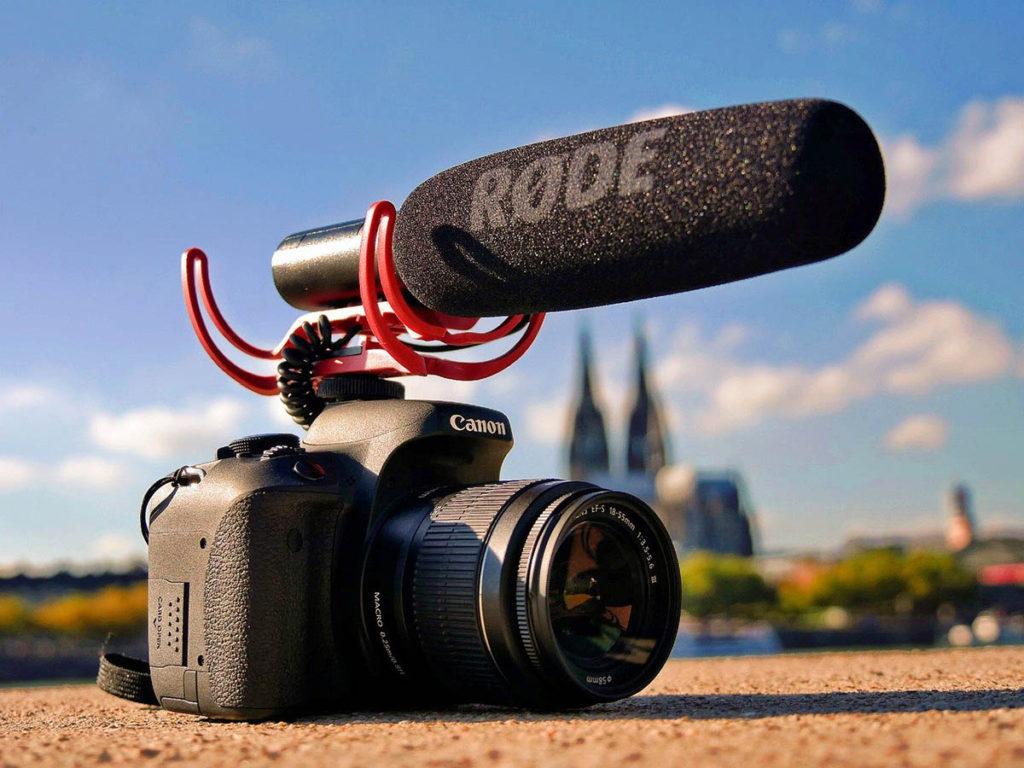 Reflex Canon e microfono ambientale